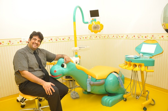 Bon ... Dental Chair Is By Introducing Them To A Dentist At A Very Young Age.  This Ways His Or Her First Contact With The Dental Clinic Wonu0027t Be For A  Painful ...